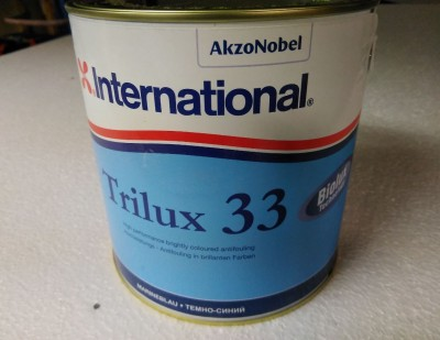 International Trilux 33 antifouling 1.jpg